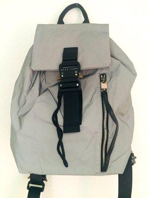 ALYX - kleiner silbergrauer Rucksack reflektierend