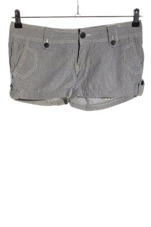 America Today Shorts gris claro estampado a rayas look casual