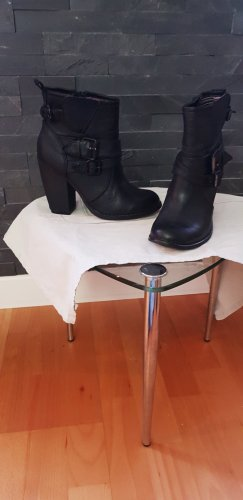 """American Rag"" Boots"
