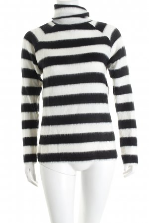 American Retro Turtleneck Sweater black-white horizontal stripes casual look