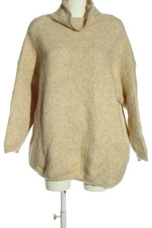 American Vintage Turtleneck Sweater cream casual look