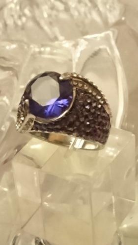 Amethyst rhodinierte Ring mit Zirkonia Steinchen Gr.18