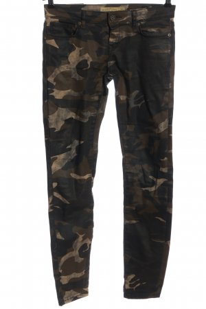 Amisu Low-Rise Trousers camouflage pattern casual look