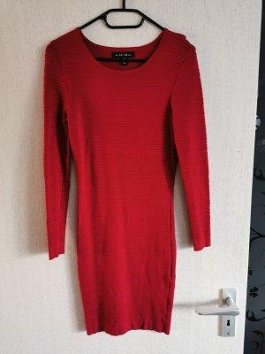 Amisu Vestido tejido rojo ladrillo