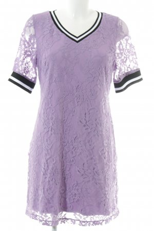 Amy Vermont Lace Dress flower pattern casual look