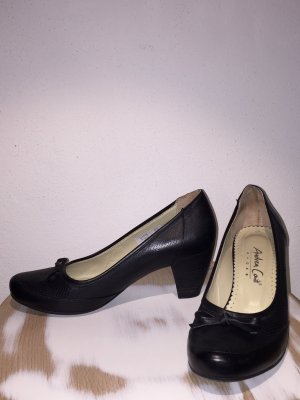 Andrea Conti Business Pumps