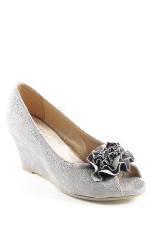 Andrea Conti Zapatos de cuña gris claro elegante