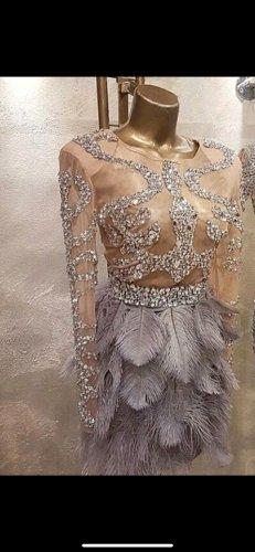Angefertigtes Kleid neu