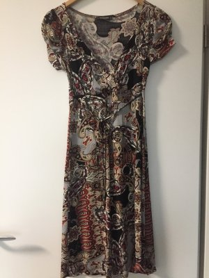 Angenehmes Sommerkleid
