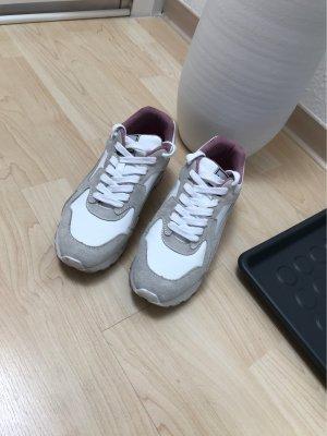 Angesagte Zara Sneaker