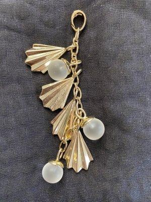 Anhänger in Gold mit Perle