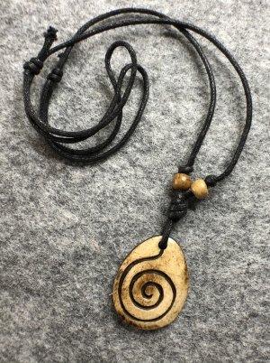 Anhänger Kette Yak Bone sandbraun oval Spirale 3,5x 2,6 cm Baumwollbändchen schwarz