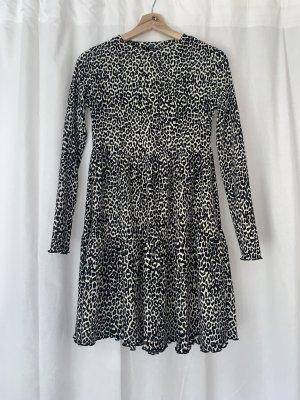 Animalprint Kleid von Bershka