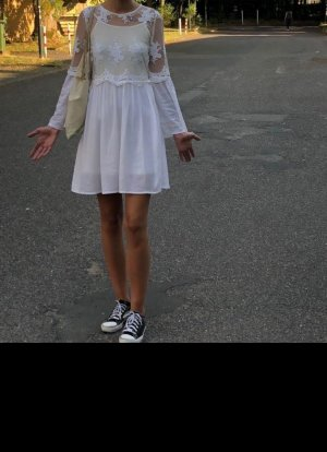 Aniston Sukienka midi w kolorze białej wełny