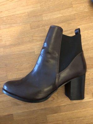 Ankel Boots / Stiefeletten mit Blockabsatz