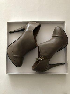 Zara Woman Botas de tobillo marrón grisáceo