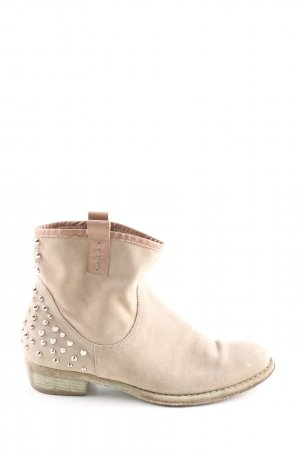 Ankle Boots cream casual look