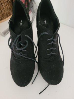 / Chaussure à talons carrés noir