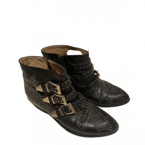 Ankle boots mit Nieten