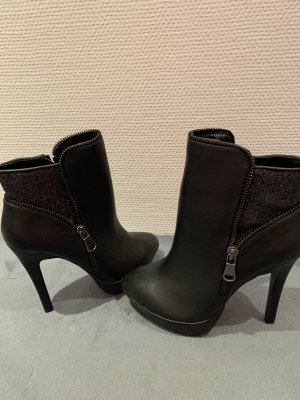 Humanic Ankle Boots black