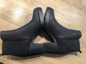 Oniyigo Low boot noir