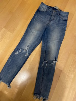 Ankle Free Jeans