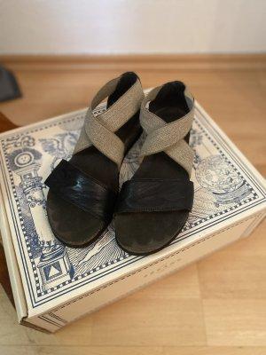 Think! Sandalias cómodas negro-gris verdoso tejido mezclado