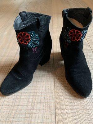 Ankleboots aus schwarzem Velour mit Stickereien von Unisa