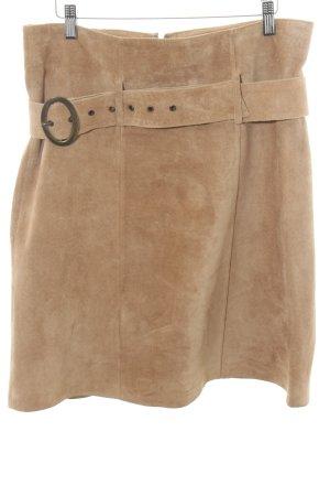 Ann LLewellyn Leather Skirt nude casual look