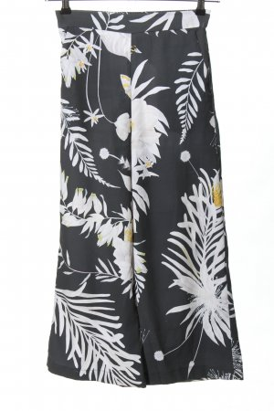Anna Glover × H&M Culottes flower pattern casual look