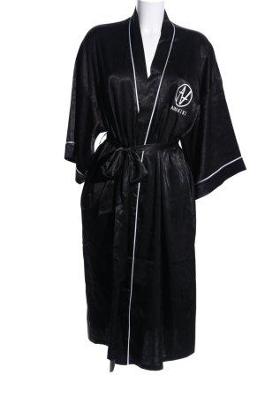 Kimono black-white themed print extravagant style
