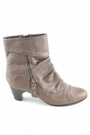 Annie G. Zipper Booties brown casual look