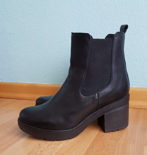 Another A Platform Booties black leather
