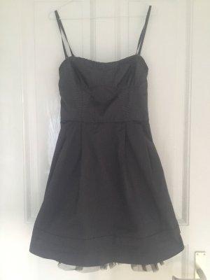 Anthrazitfarbenes Kleid