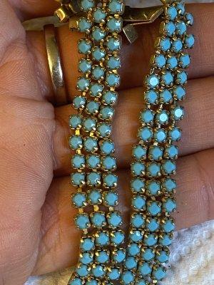 Collier blanc-bleuet