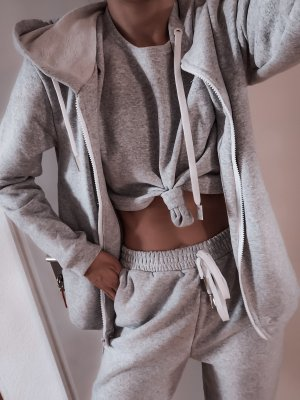 Tailleur-pantalon gris clair-gris