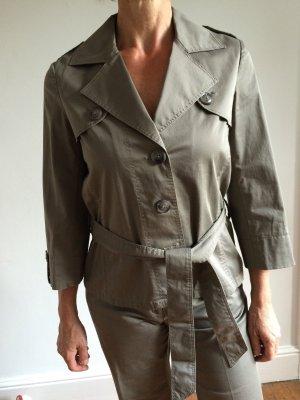 Anzug im Trenchcoat-style