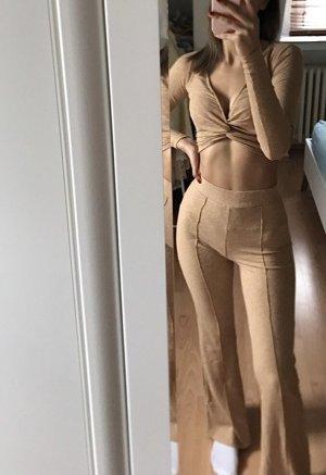 Bershka Pantalón de campana beige-camel