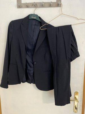 Costume business bleu foncé