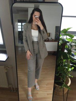 Anzug Set Blazer und Slacks
