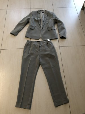 Marie Lund Trouser Suit sage green