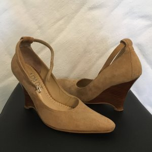 Apart Wedge Pumps camel