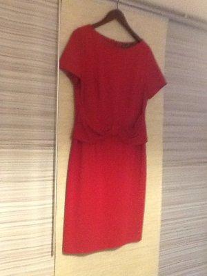 Apartes und elegantes Kleid