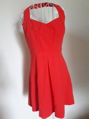 apricot farbenes neckholder Kleid