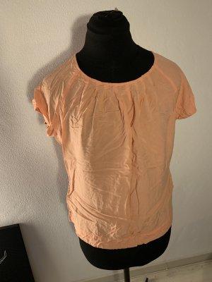 Apricotfarbenes Shirt