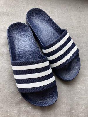 Adidas Sandalias de playa azul oscuro
