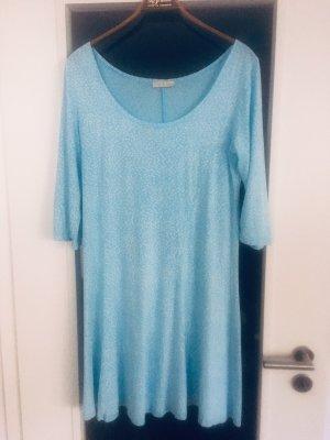 Aquahblaues Kleid