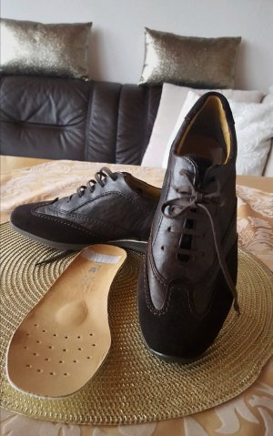Ara Sneaker Neu schnürrschuhe Leder Luftpolster grösse 3 1/2 weite G entspricht grösse 36