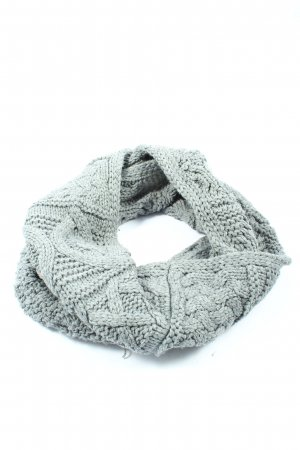 Aran Traditions Caperuza gris claro look casual