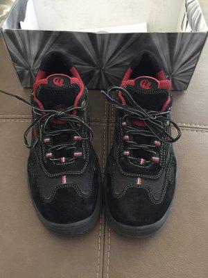 Scarpa stringata nero-rosso mattone
